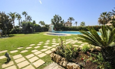 Beachside villa for sale - East Marbella - Costa del Sol 1