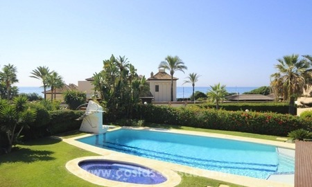 Beachside villa for sale - East Marbella - Costa del Sol 12