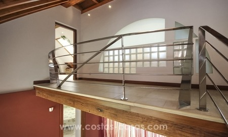 Beachside villa for sale - East Marbella - Costa del Sol 22