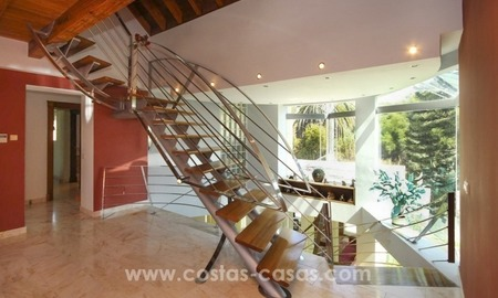 Beachside villa for sale - East Marbella - Costa del Sol 23