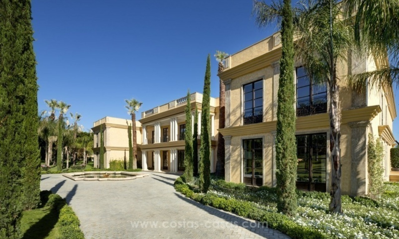 Unique palatial mansion for sale on the Golden Mile, Marbella 4