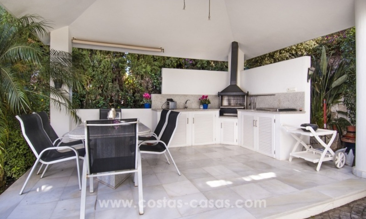 Contemporary golf villa for sale with splendid sea view in an up-market area of Nueva Andalucia - Marbella 7