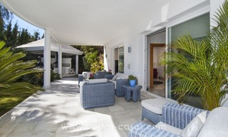 Contemporary golf villa for sale with splendid sea view in an up-market area of Nueva Andalucia - Marbella 6