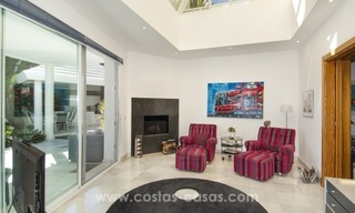 Contemporary golf villa for sale with splendid sea view in an up-market area of Nueva Andalucia - Marbella 17