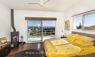 Contemporary golf villa for sale with splendid sea view in an up-market area of Nueva Andalucia - Marbella 21