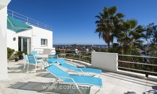 Contemporary golf villa for sale with splendid sea view in an up-market area of Nueva Andalucia - Marbella 24
