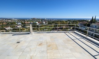 Contemporary golf villa for sale with splendid sea view in an up-market area of Nueva Andalucia - Marbella 30