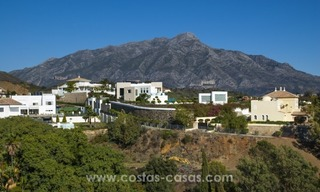 Contemporary golf villa for sale with splendid sea view in an up-market area of Nueva Andalucia - Marbella 37
