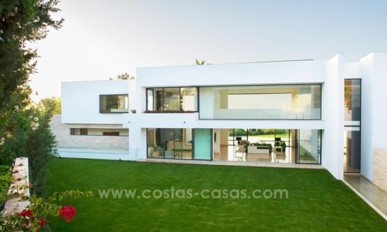 Modern newly built contemporary villa for sale on the Golden Mile, Sierra Blanca, Marbella 2