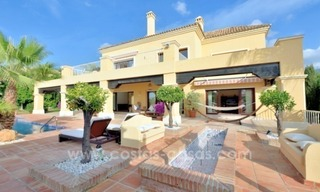 Great villa with Sea views for sale on the Golden Mile, Sierra Blanca, Marbella 3