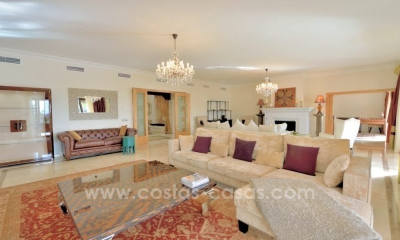 Great villa with Sea views for sale on the Golden Mile, Sierra Blanca, Marbella 9