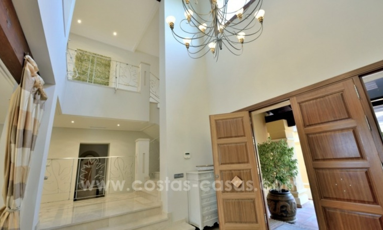 Great villa with Sea views for sale on the Golden Mile, Sierra Blanca, Marbella 10