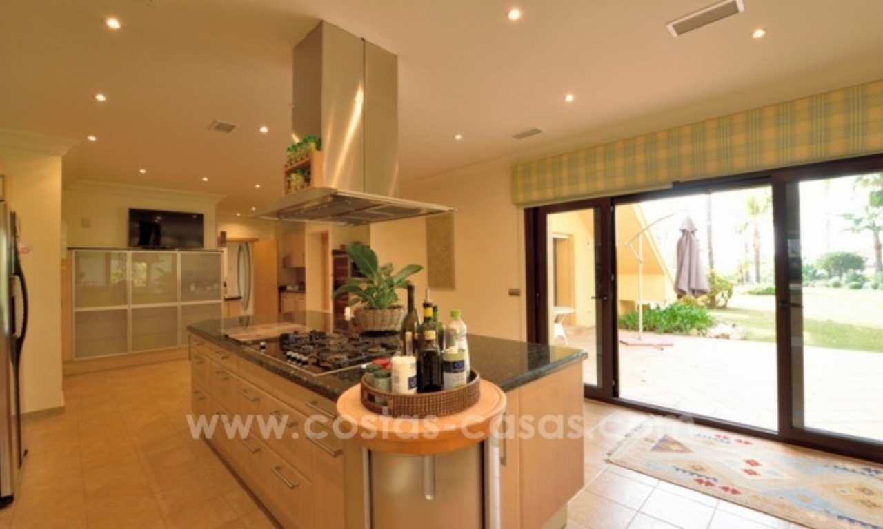 Great villa with Sea views for sale on the Golden Mile, Sierra Blanca, Marbella 13