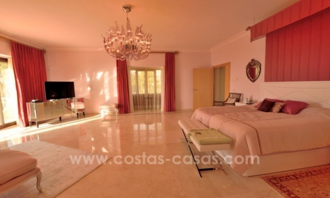 Great villa with Sea views for sale on the Golden Mile, Sierra Blanca, Marbella 14