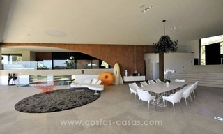 Ultra Modern Designer Villa for sale in Benahavis - Marbella 15