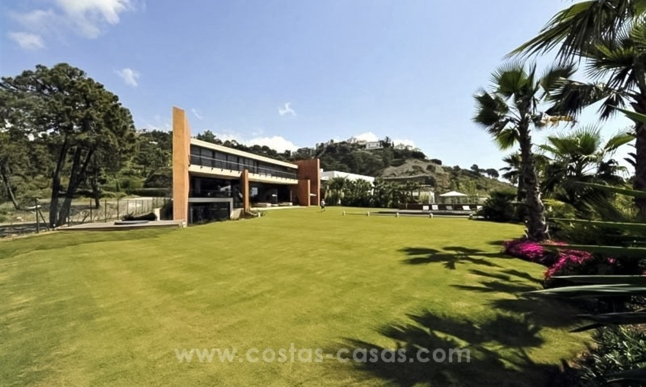 Ultra Modern Designer Villa for sale in Benahavis - Marbella 13