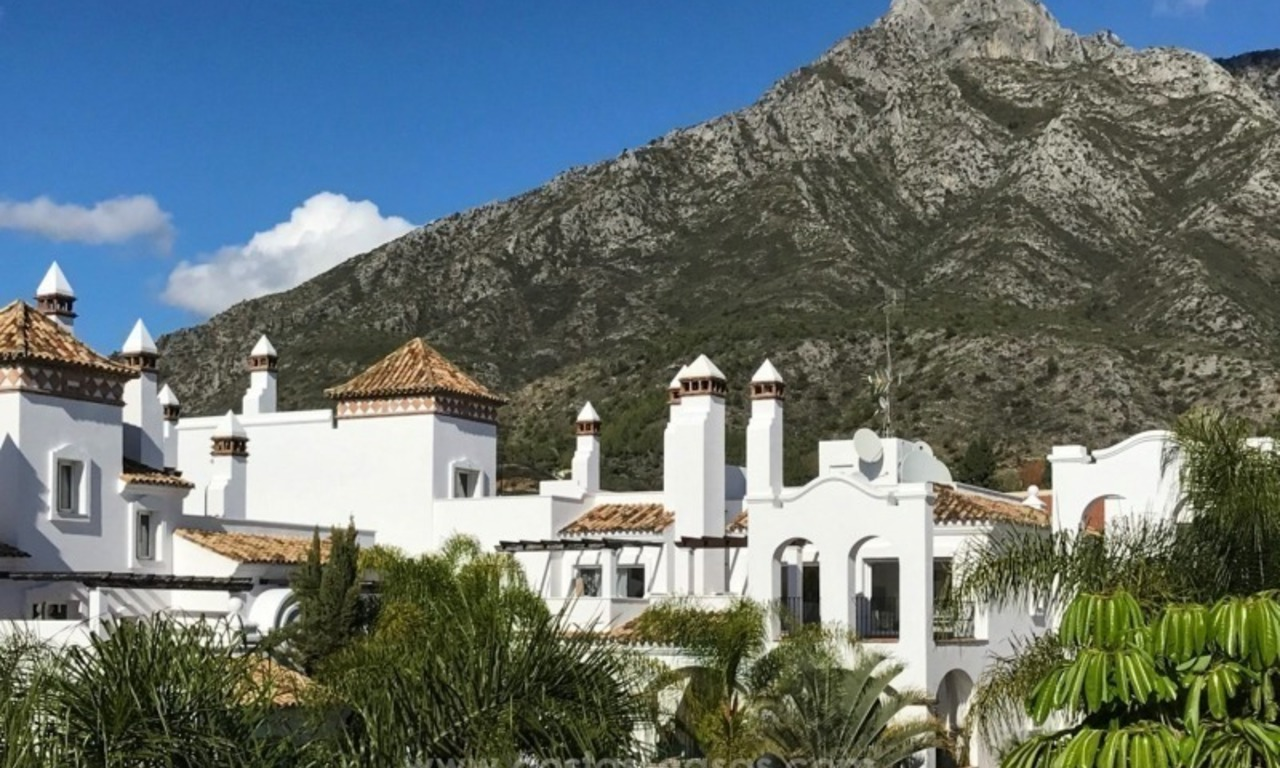 Luxury apartments for sale in the exclusive area of Sierra Blanca, Marbella 1