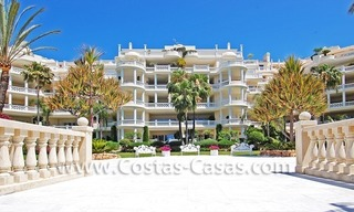 Beachfront luxury apartments for sale in Las Dunas Park, New Golden Mile, Marbella - Estepona 6