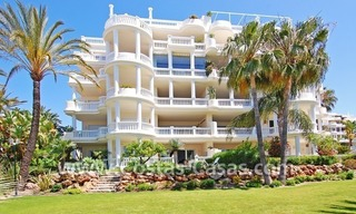 Beachfront luxury apartments for sale in Las Dunas Park, New Golden Mile, Marbella - Estepona 7