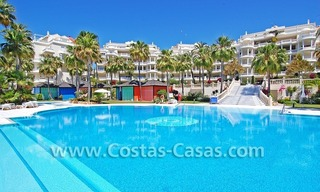 Beachfront luxury apartments for sale in Las Dunas Park, New Golden Mile, Marbella - Estepona 4