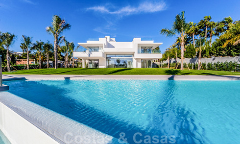 Modern second line Beach designer villa for sale in Guadalmin Baja, Marbella 29027