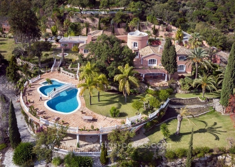 Villa for sale in Benahavis - Marbella: El Madroñal estate on a 11.000m2 flat plot with commanding views