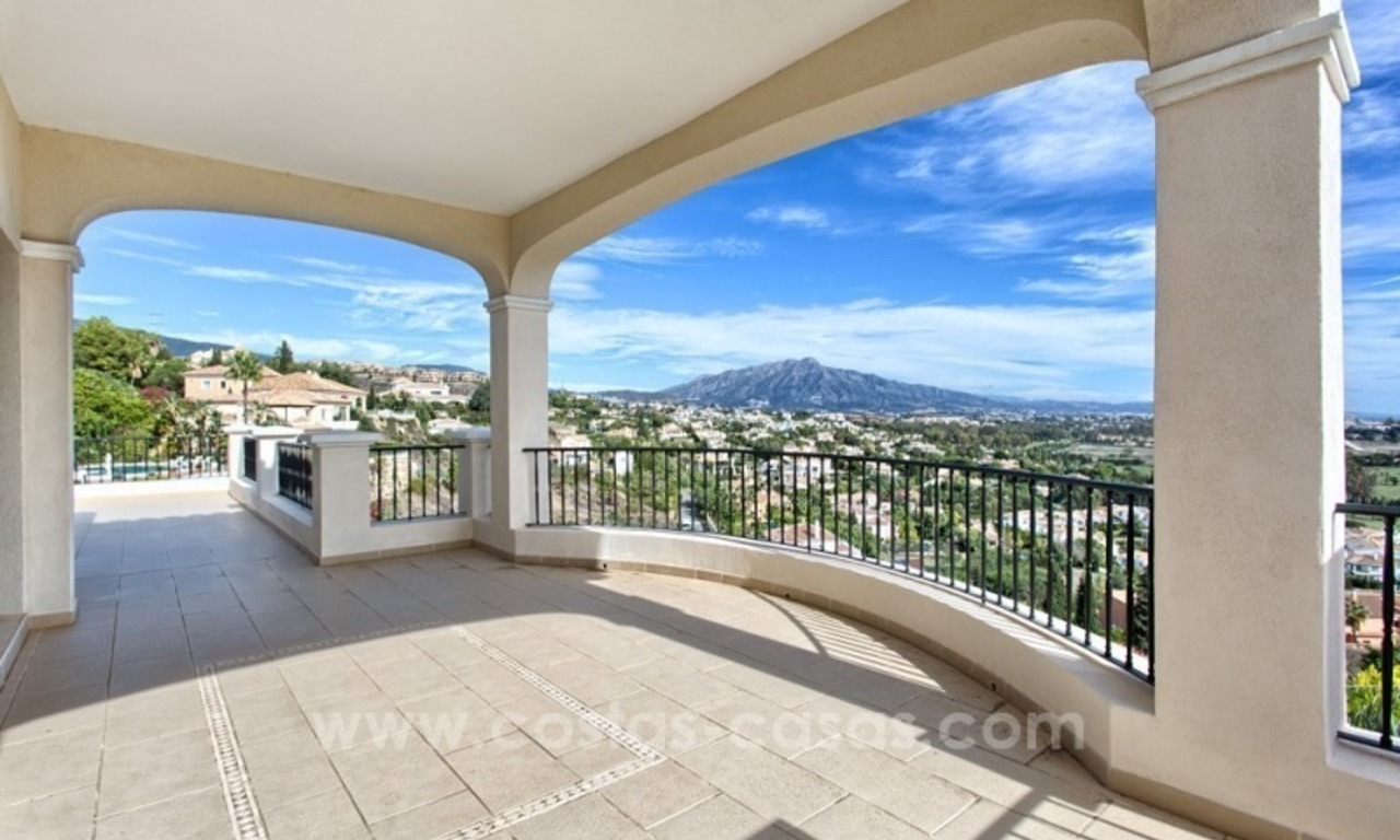 Villa with Panoramic views on the New Golden Mile, Marbella - Estepona 8