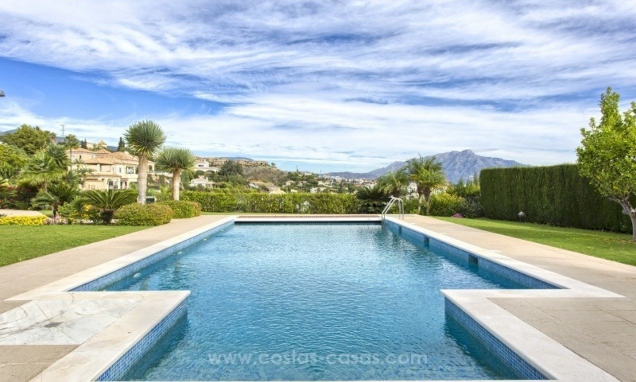 Villa with Panoramic views on the New Golden Mile, Marbella - Estepona 6