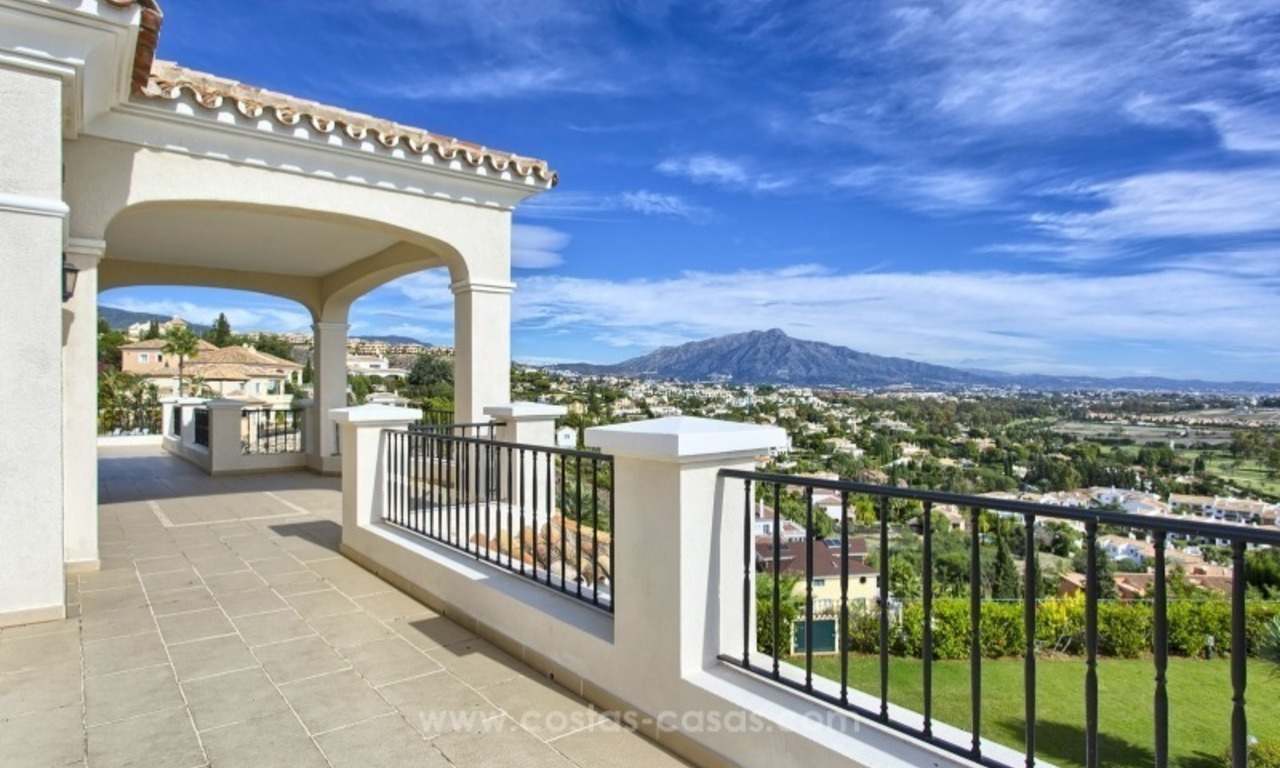 Villa with Panoramic views on the New Golden Mile, Marbella - Estepona 9