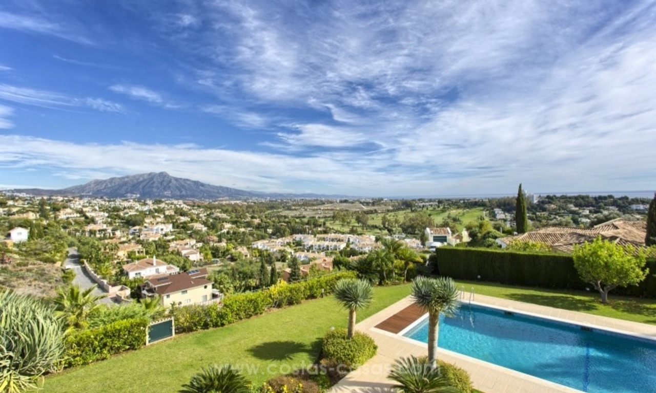 Villa with Panoramic views on the New Golden Mile, Marbella - Estepona 3