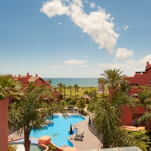 Luxury penthouse apartment for sale in a first line beach complex on the New Golden Mile, Marbella - Estepona