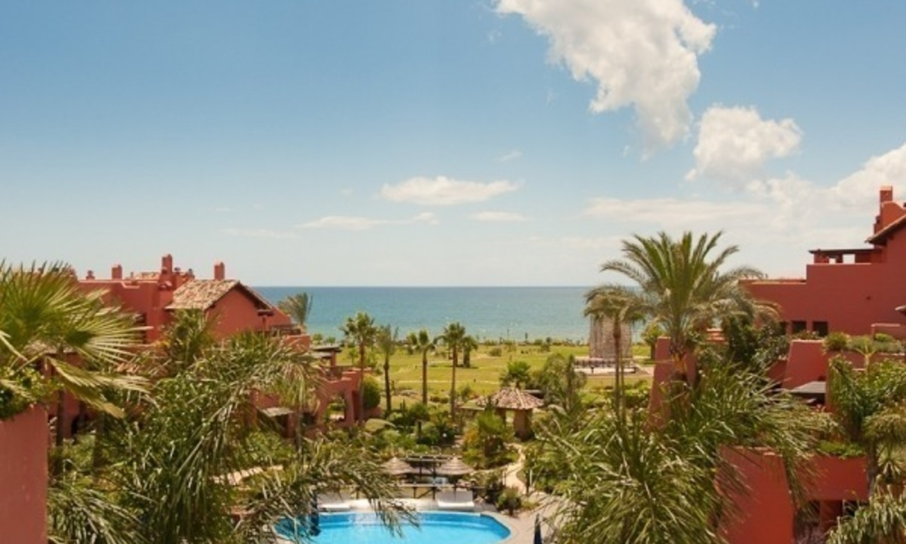Luxury penthouse apartment for sale in a first line beach complex on the New Golden Mile, Marbella - Estepona 0
