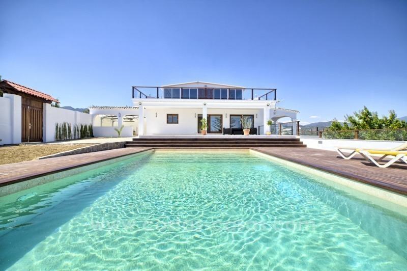 Contemporary renovated villa for sale, New Golden Mile, Marbella - Estepona