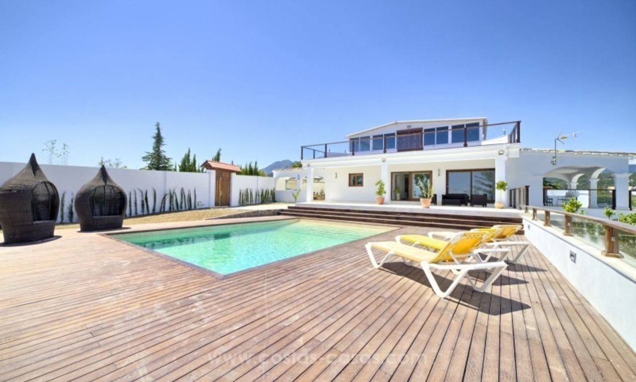 Contemporary renovated villa for sale, New Golden Mile, Marbella - Estepona 1