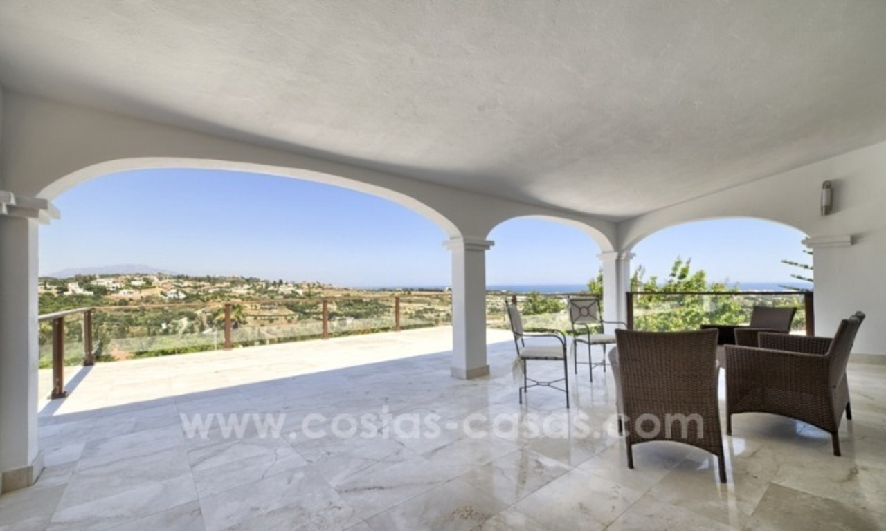 Contemporary renovated villa for sale, New Golden Mile, Marbella - Estepona 5