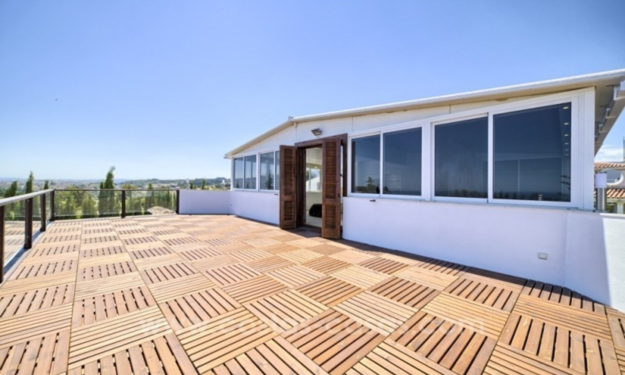Contemporary renovated villa for sale, New Golden Mile, Marbella - Estepona 9