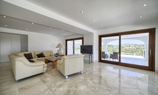 Contemporary renovated villa for sale, New Golden Mile, Marbella - Estepona 12