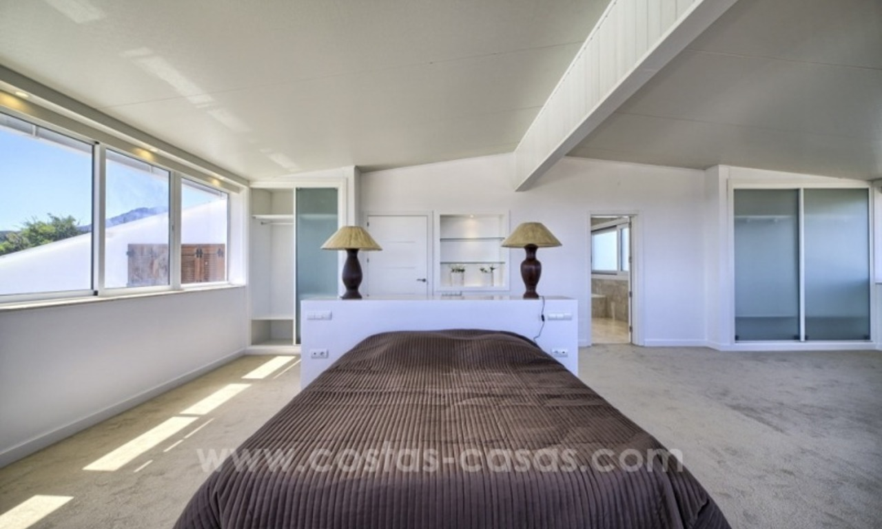 Contemporary renovated villa for sale, New Golden Mile, Marbella - Estepona 18