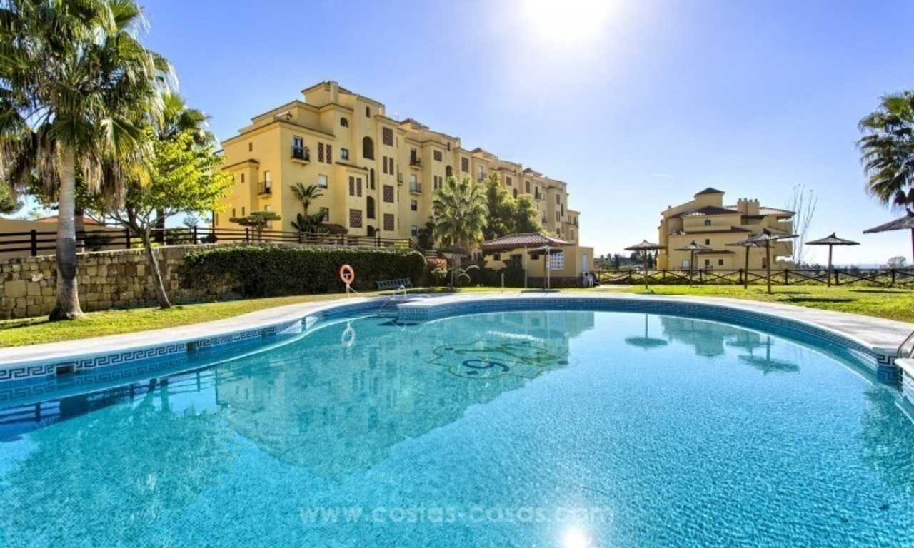 Bargain apartment for sale, New Golden Mile, Marbella - Estepona 1