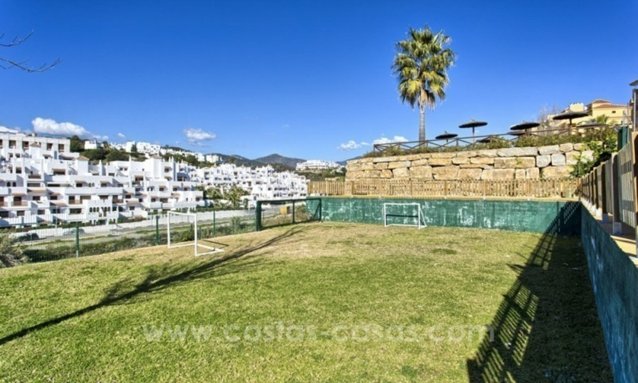 Bargain apartment for sale, New Golden Mile, Marbella - Estepona 8