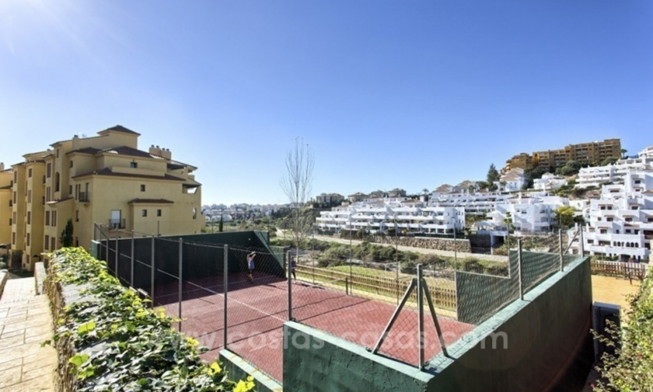 Bargain apartment for sale, New Golden Mile, Marbella - Estepona 9