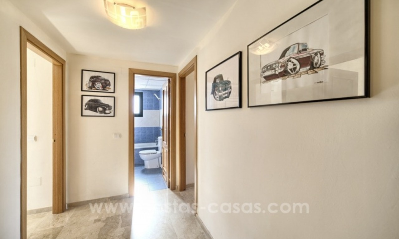 Bargain apartment for sale, New Golden Mile, Marbella - Estepona 19