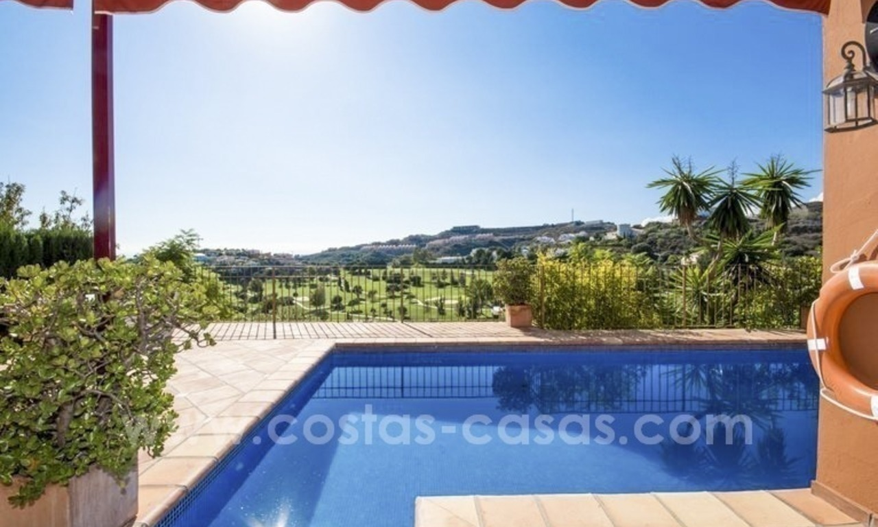 Bargain. Beautiful villa with sea and golf views for sale in Benahavís - Marbella 2