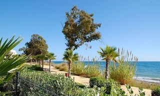 Modern Frontline Beach Penthouse apartment for sale on the New Golden Mile, Marbella - Estepona 18