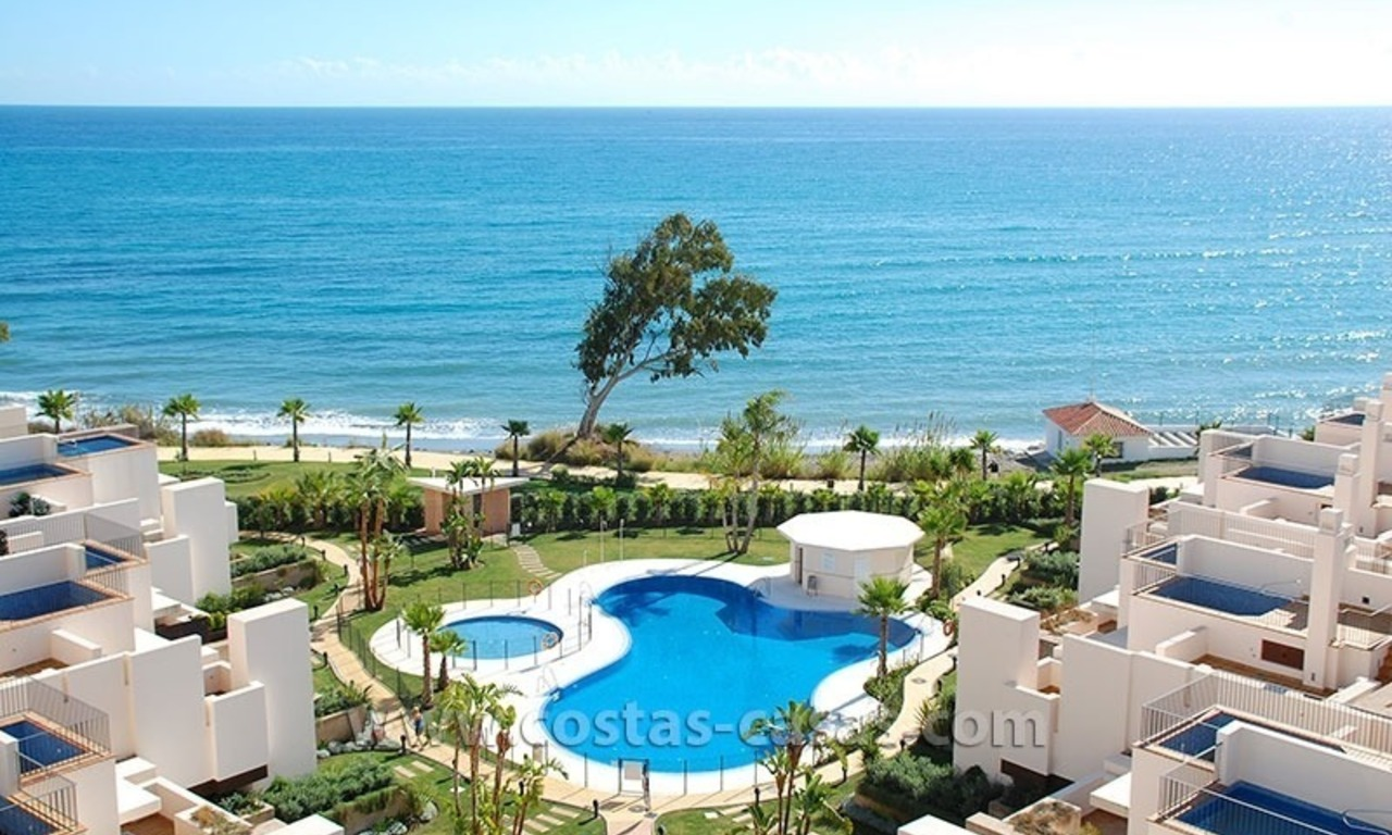 Modern Frontline Beach Penthouse apartment for sale on the New Golden Mile, Marbella - Estepona 17
