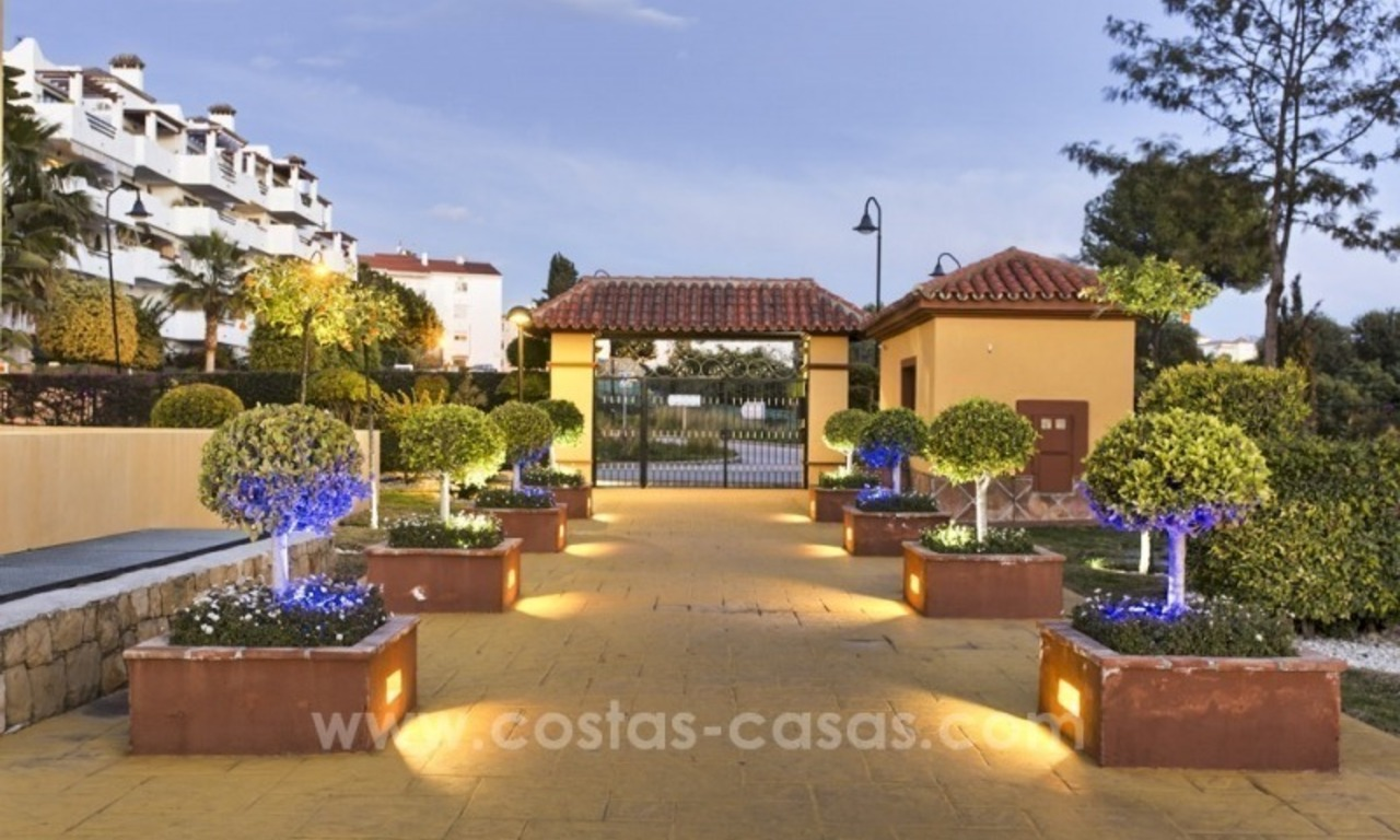 Bargain apartment for sale, New Golden Mile, Marbella - Estepona 2