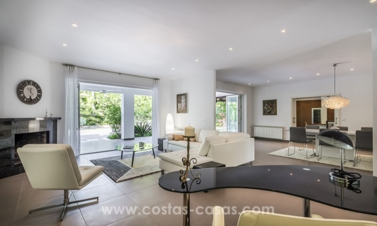 Newly renovated modern villa for sale in Nueva Andalucía, Marbella 10