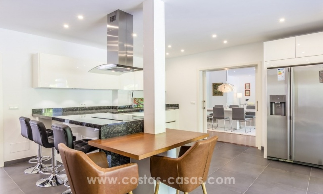 Newly renovated modern villa for sale in Nueva Andalucía, Marbella 13