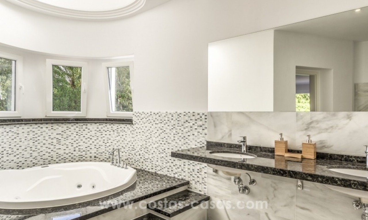 Newly renovated modern villa for sale in Nueva Andalucía, Marbella 23