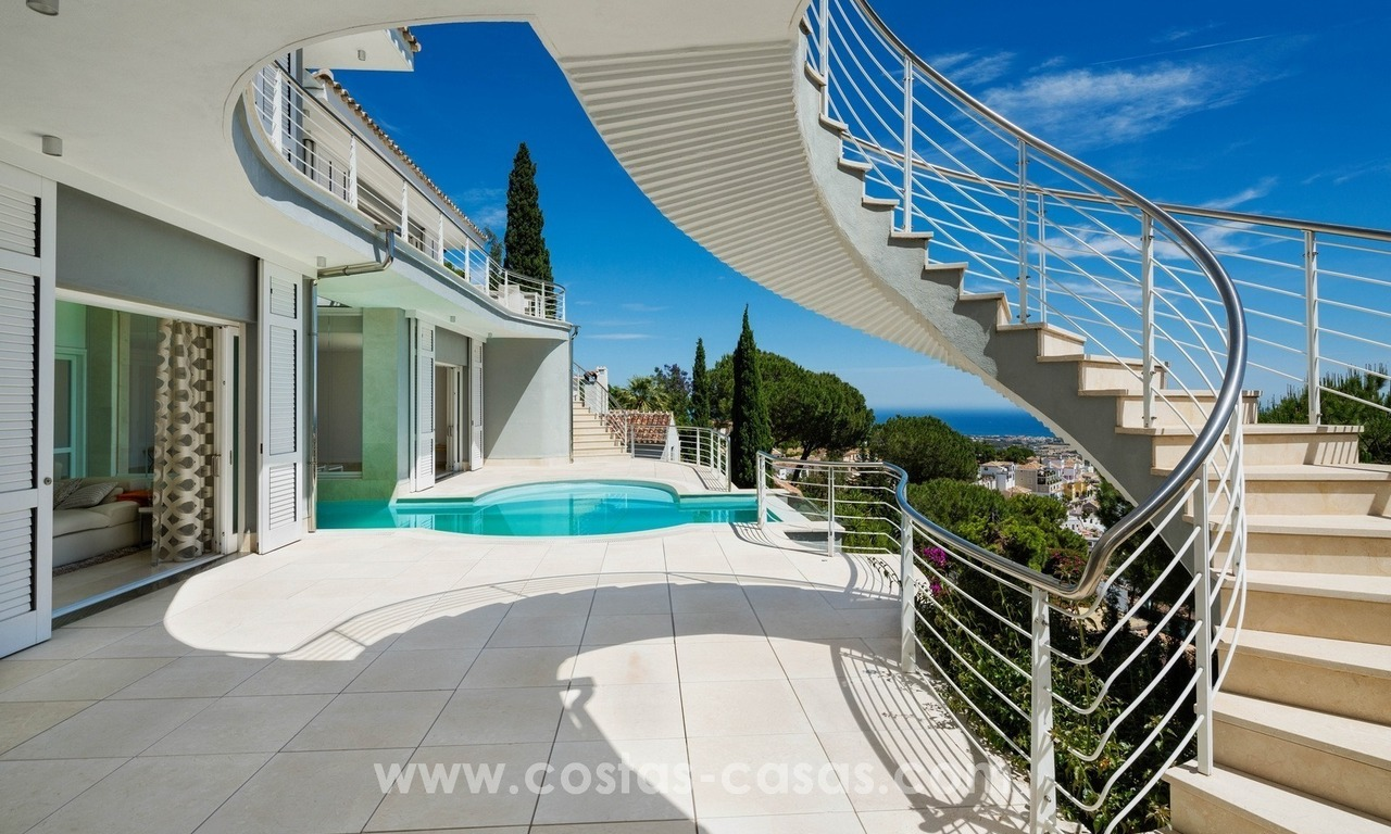 Villa for sale in Benahavis - Marbella: Exceptional Design and architecture, Exceptional Views in Exclusive El Madroñal 4